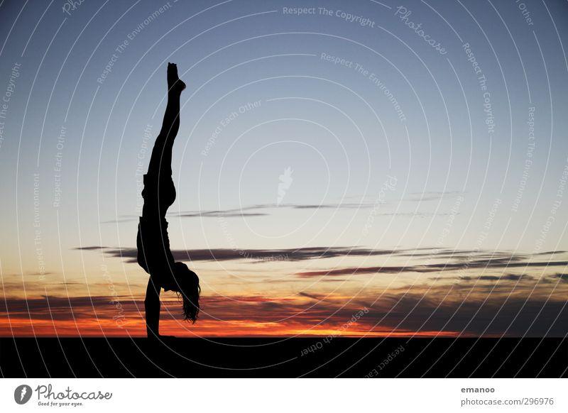frei stehend Lifestyle Freude Gesundheit sportlich Wellness Ferien & Urlaub & Reisen Freiheit Sommer Strand Sport Fitness Sport-Training Sportler Mensch feminin