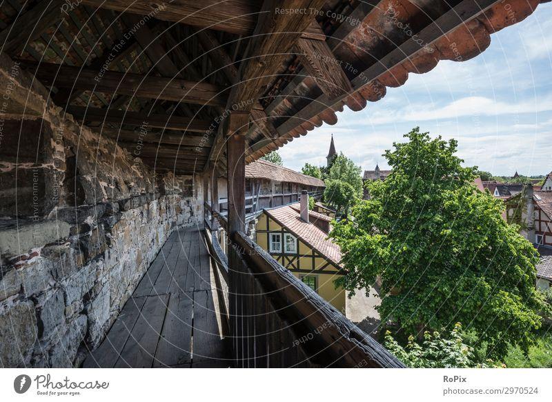 Mittelalterliche Stadtmauer. Lifestyle Freizeit & Hobby Ferien & Urlaub & Reisen Tourismus Ausflug Freiheit Sightseeing Städtereise Sommer Kunst Museum