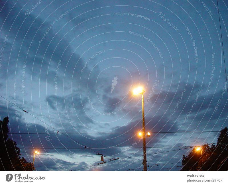 laterne Laterne Lampe Licht Frankreich Abend Himmel blau natrium-dampf-lampe toulouse