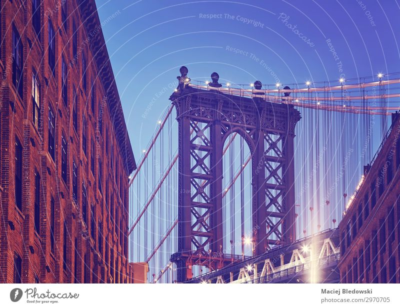 Manhattan Bridge von Dumbo in der Abenddämmerung, New York City. Ferien & Urlaub & Reisen Sightseeing Städtereise Brücke Gebäude Architektur Sehenswürdigkeit