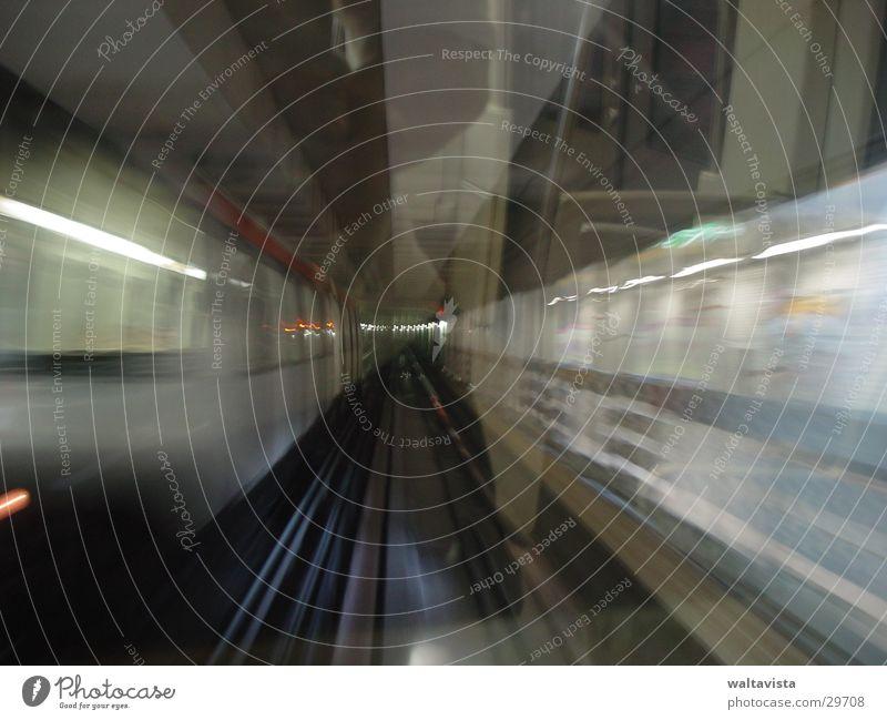 metro 2 Fenster Verkehr Eisenbahn Gleise U-Bahn Neonlicht