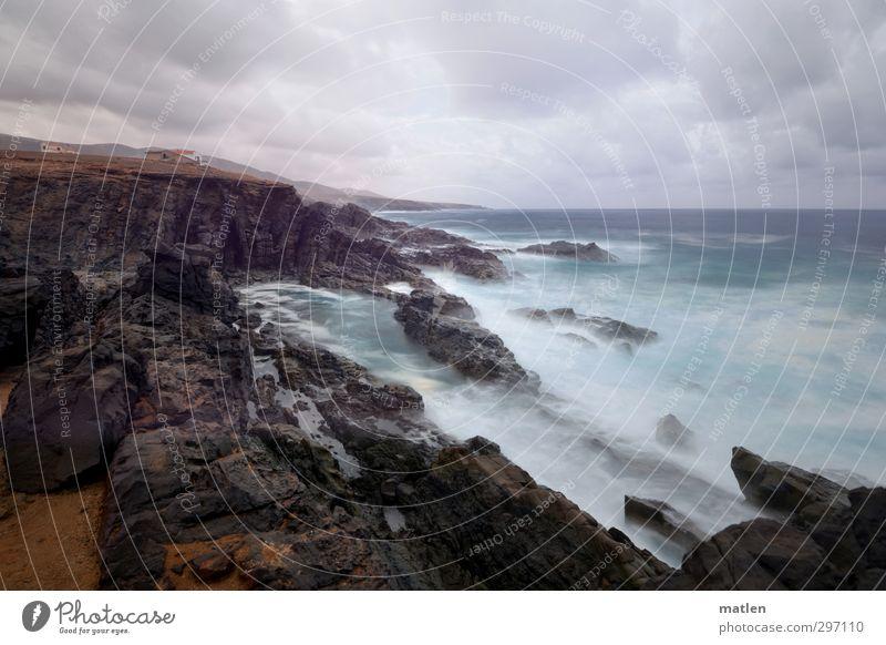 raw Landschaft Erde Sand Himmel Wolken Horizont schlechtes Wetter Sturm Felsen Berge u. Gebirge Schlucht Küste Strand Fjord Riff Meer blau braun grau zerklüftet