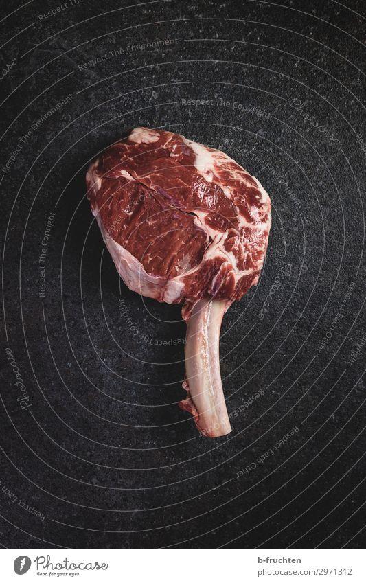 Tomahawk Steak Lebensmittel Fleisch Ernährung Bioprodukte Gesunde Ernährung Essen Küche wählen kaufen genießen frisch natürlich Begierde Reichtum Rindfleisch