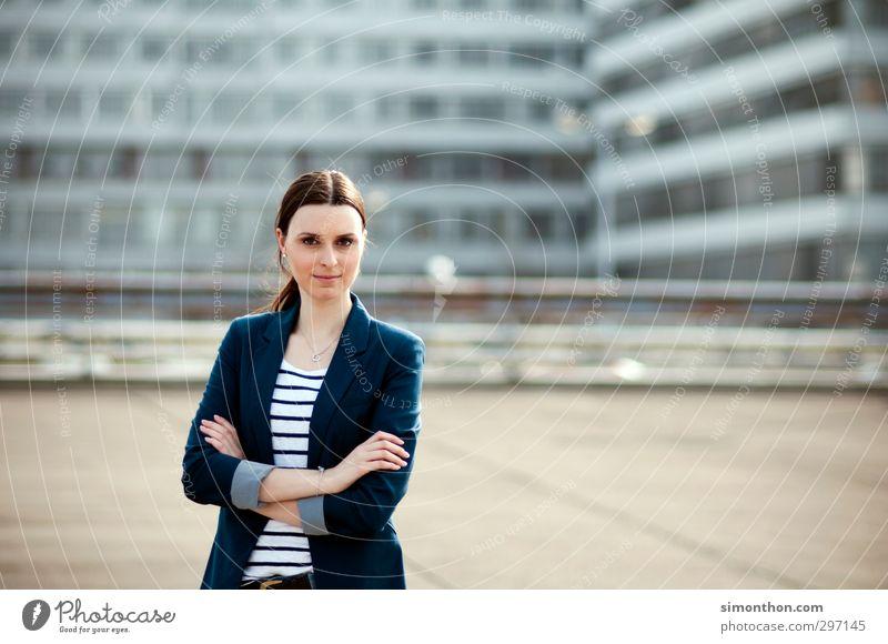 Erfolgreich Mensch Jugendliche 18-30 Jahre Erwachsene Leben feminin Business Büro Energiewirtschaft lernen Studium Baustelle Bildung Geldinstitut