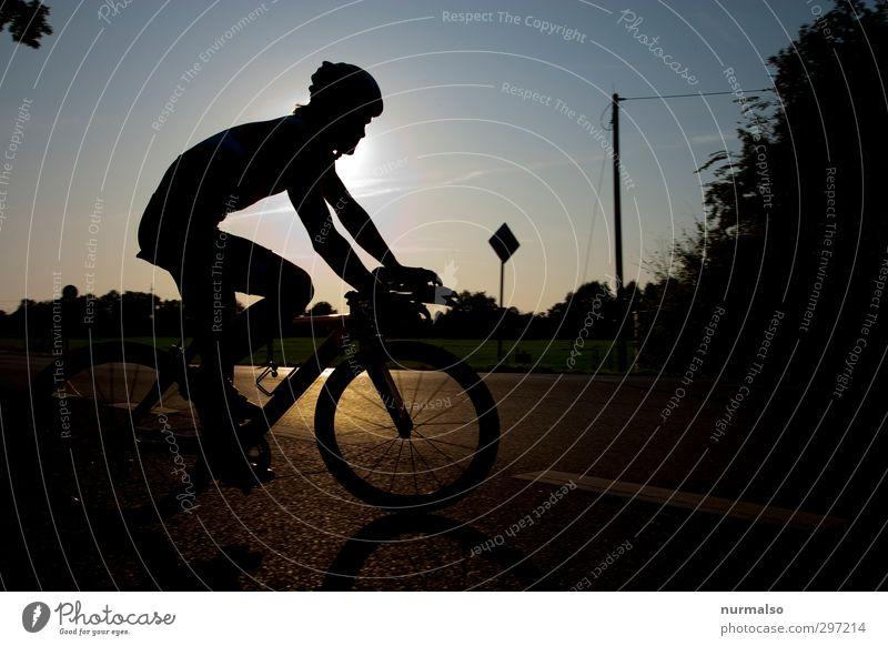 Radrennwendepunkt Freizeit & Hobby Sport Fitness Sport-Training Sportler Fahrradfahren Sportveranstaltung Mensch Körper Kopf Beine Natur Verkehr Helm