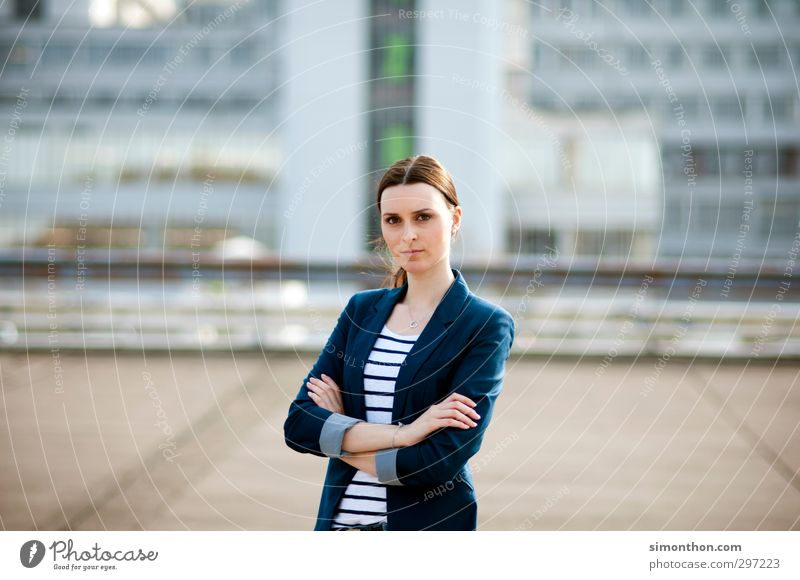 Business Woman Mensch Jugendliche 18-30 Jahre Erwachsene feminin Energiewirtschaft Erfolg Studium Baustelle Bildung Erwachsenenbildung Student Wissenschaften