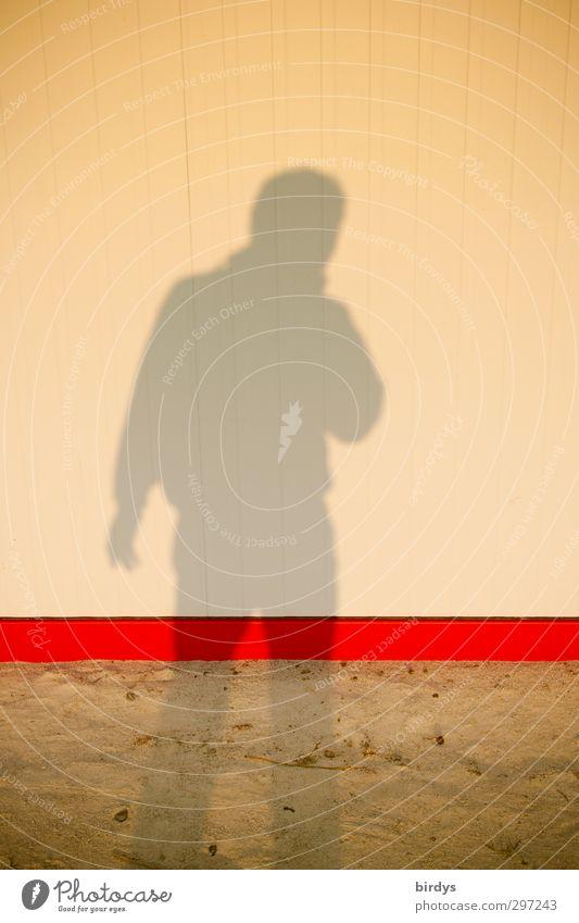 Der Schatten meiner selbst Körper 1 Mensch Sand leuchten stehen ästhetisch dünn gelb rot Einsamkeit einzigartig Linie Leitfaden Teile u. Stücke aufrechter Gang