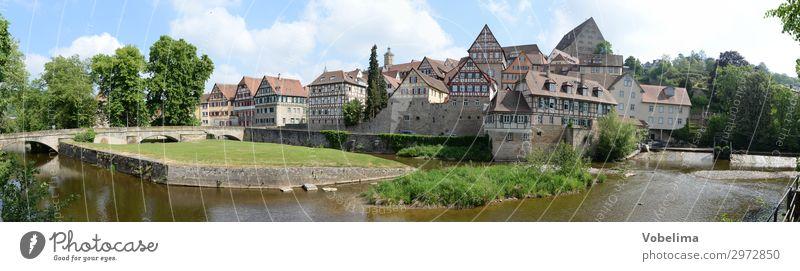 Panorama Schwäbisch Hall Haus Bach Fluss Kleinstadt Stadt Altstadt Bauwerk Gebäude Architektur Sehenswürdigkeit blau braun grau grün schwarz weiß Fachwerkhaus