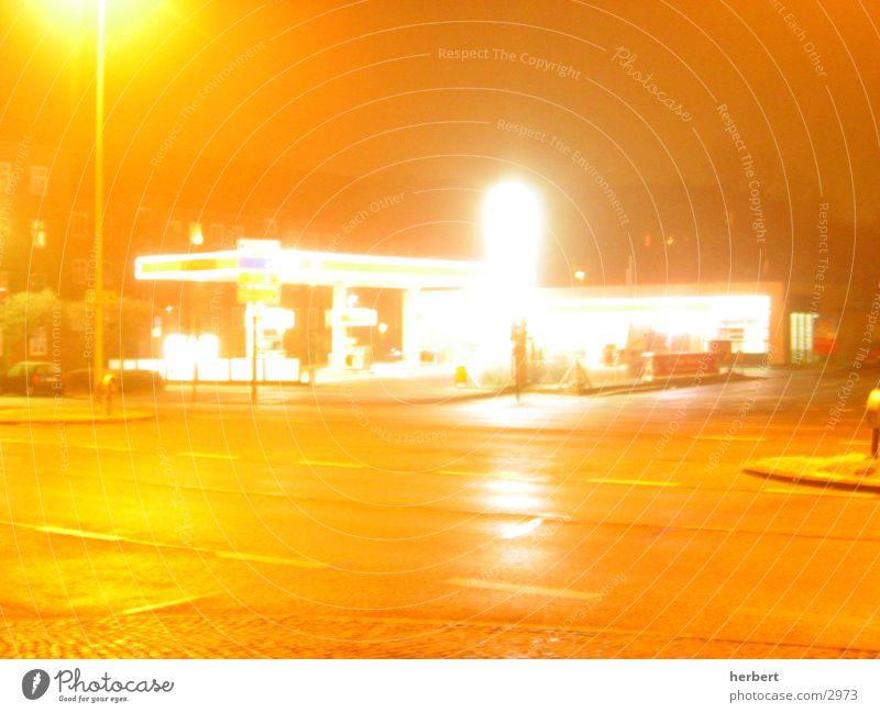 midnite-tanke Tankstelle Nacht Langzeitbelichtung Mischung