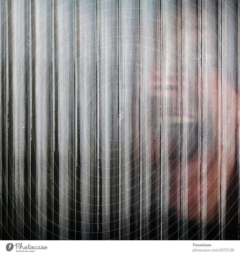 Isolation | zu wessen Schutz? Glas Linie schreien Aggression bedrohlich braun schwarz weiß Gefühle Angst gefährlich Stress Ausgrenzung Einsamkeit Kopf Gesicht