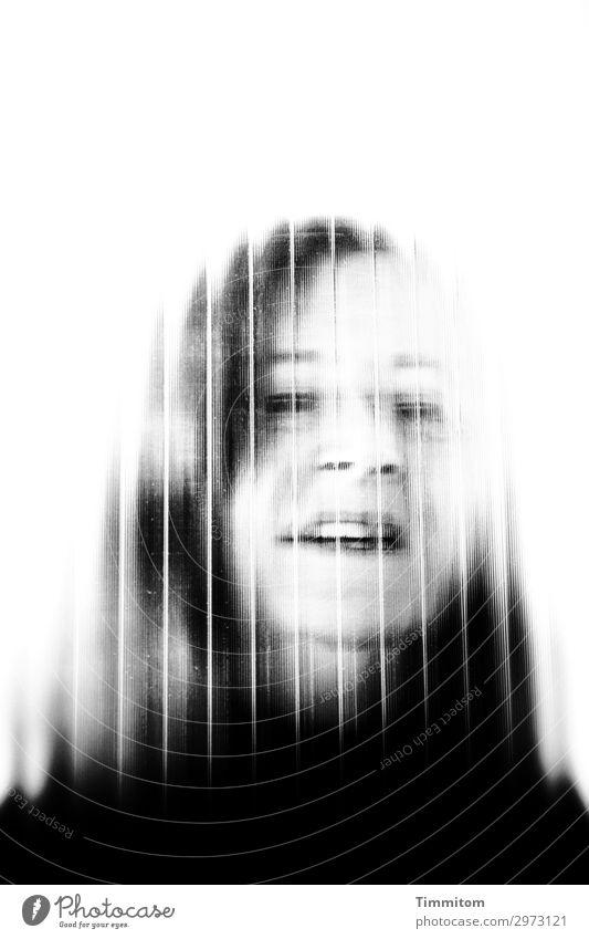 Happy. Birthday. Mensch feminin Frau Erwachsene Kopf 1 Glas Kommunizieren ästhetisch grau schwarz weiß Gefühle Porträt Glasscheibe Haare & Frisuren