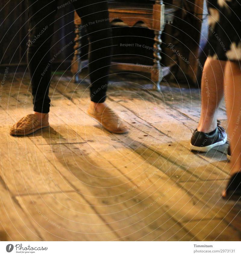 Dancing In The Barn Ferien & Urlaub & Reisen Mensch Beine Fuß Tanzen Großbritannien Scheune Hose Schuhe Holz Bewegung einfach braun schwarz Gefühle Lebensfreude