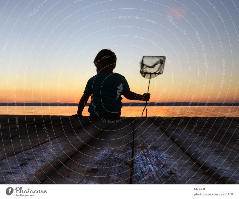 Geduld Mensch Kind Ferien & Urlaub & Reisen Sommer Meer ruhig Strand Erholung Spielen Küste See Stimmung Kindheit Freizeit & Hobby warten Fisch
