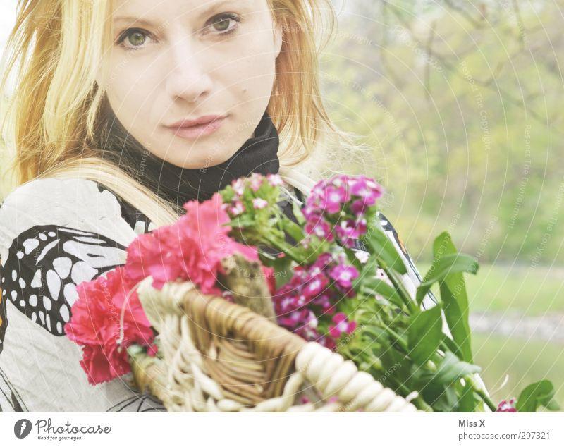 Hochzeitsgruß schön Feste & Feiern Valentinstag Muttertag Geburtstag Mensch feminin Frau Erwachsene 1 18-30 Jahre Jugendliche Frühling Blume Blüte blond Blühend