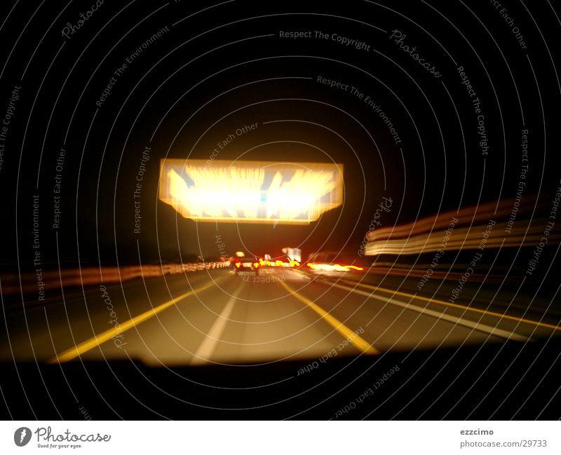 Autobahn #1 Fahrzeug fahren Nacht Schilder & Markierungen Belichtung Geschwindigkeit Fahrer Verkehr Ferien & Urlaub & Reisen