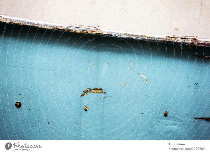 Tendenz fallend Ferien & Urlaub & Reisen Nordsee Dänemark Schifffahrt Fischerboot Holz Linie warten alt einfach kaputt blau schwarz weiß Gefühle Schraubenmutter