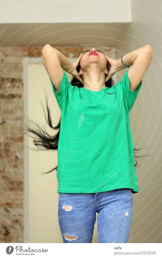 GM schön Körper Haare & Frisuren Wohnung feminin Junge Frau Jugendliche Freundschaft 1 Mensch 18-30 Jahre Erwachsene Teheran Iran Naher und Mittlerer Osten