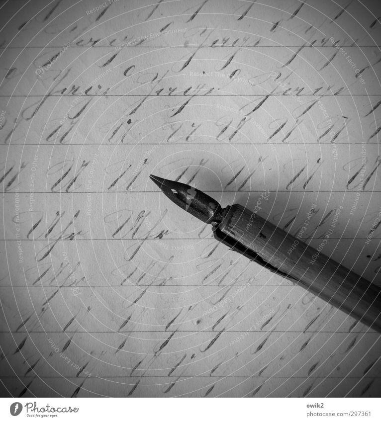 Sütterlin Schriftzeichen schriftlich Sammlerstück Füllfederhalter dünn authentisch historisch nah nachhaltig seriös Spitze viele geduldig Selbstbeherrschung