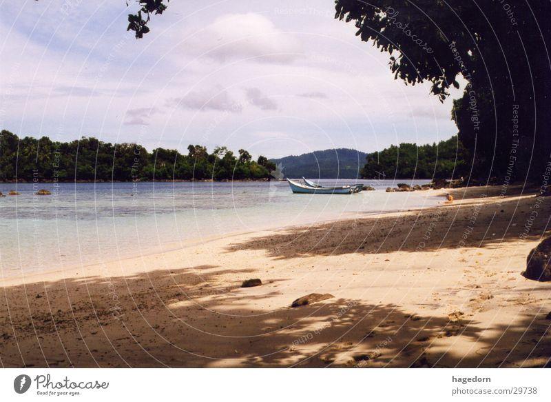 Crying Girl - Lagune Strand weinen Indonesien Asien Sumatra