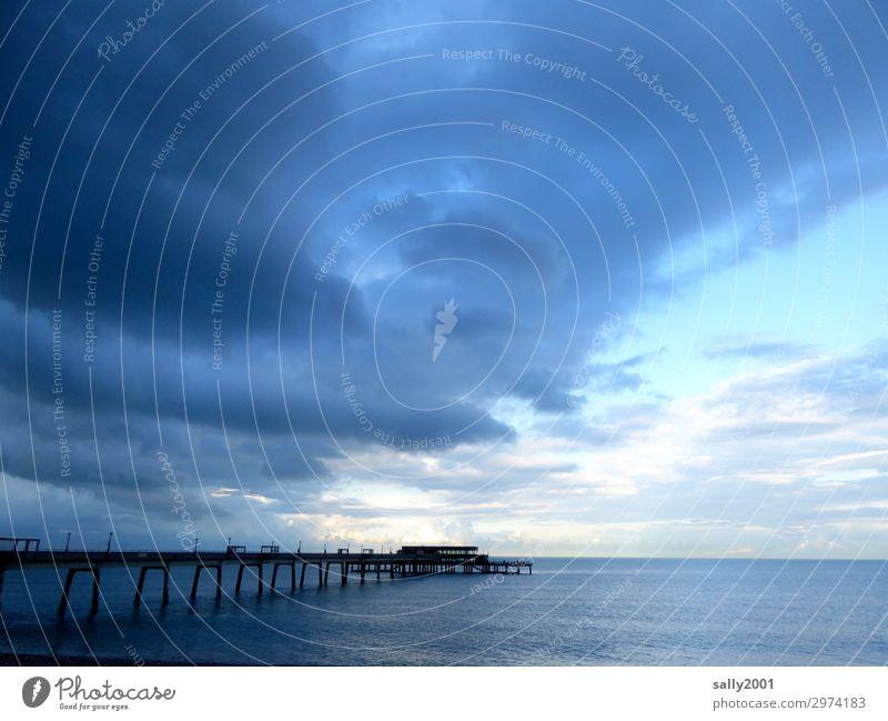 luftig... Wolken Gewitterwolken Meer Ärmelkanal Brücke Seebrücke Anlegestelle Ferne maritim Einsamkeit Erholung Freiheit Horizont ruhig Stimmung