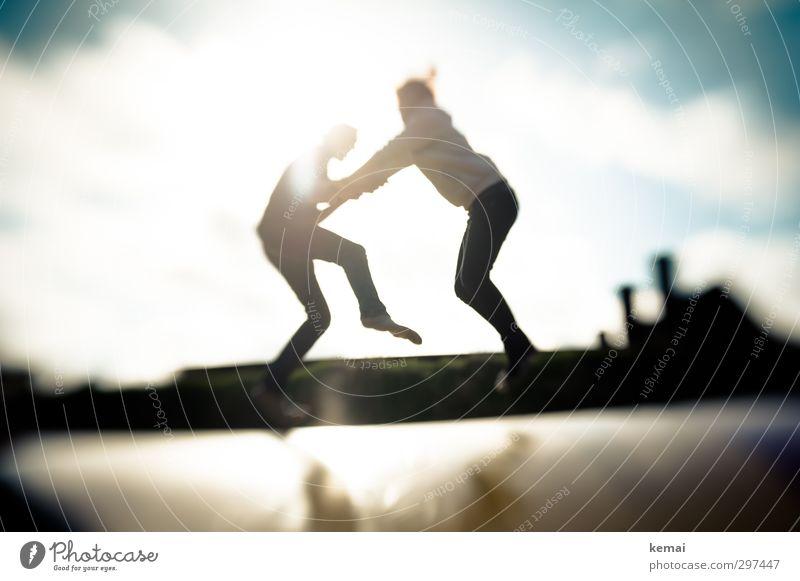 Rømø | Nahkampf Freizeit & Hobby Spielen Sport Fitness Sport-Training Trampolin Mensch maskulin feminin Junge Frau Jugendliche Junger Mann Freundschaft Paar