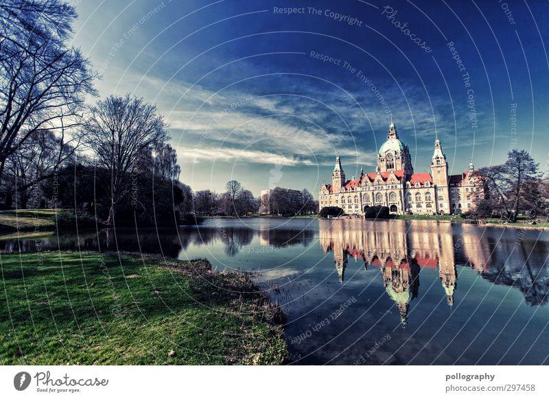 Traumschloss Umwelt Natur Landschaft Pflanze Wasser nur Himmel Wolken Frühling Schönes Wetter Baum Gras Garten Park Wiese Seeufer Hannover Burg oder Schloss
