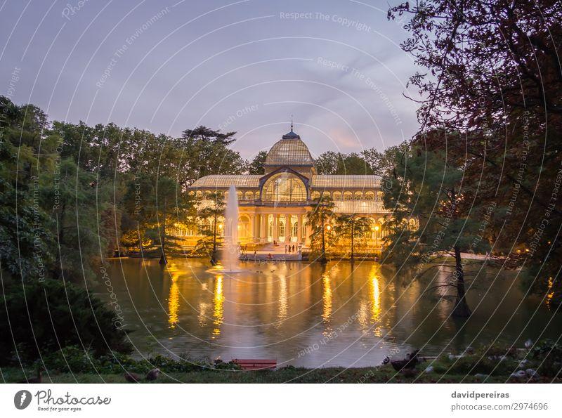 Kristallpalast im Park Buen Retiro, Madrid Ferien & Urlaub & Reisen Tourismus Garten Kultur Landschaft Himmel Teich See Palast Gebäude Architektur Denkmal