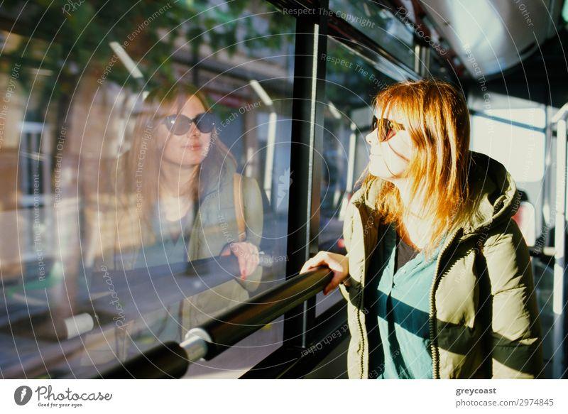 Der Sonne folgen Ferien & Urlaub & Reisen Ausflug Städtereise Mensch Junge Frau Jugendliche 1 30-45 Jahre Erwachsene Verkehr Verkehrsmittel