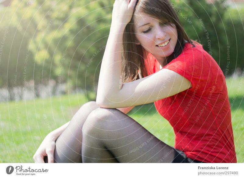 hello spring Mensch Frau Natur Jugendliche Sonne Freude Junge Frau Gesicht Erwachsene Auge Leben feminin 18-30 Jahre Glück Beine Garten