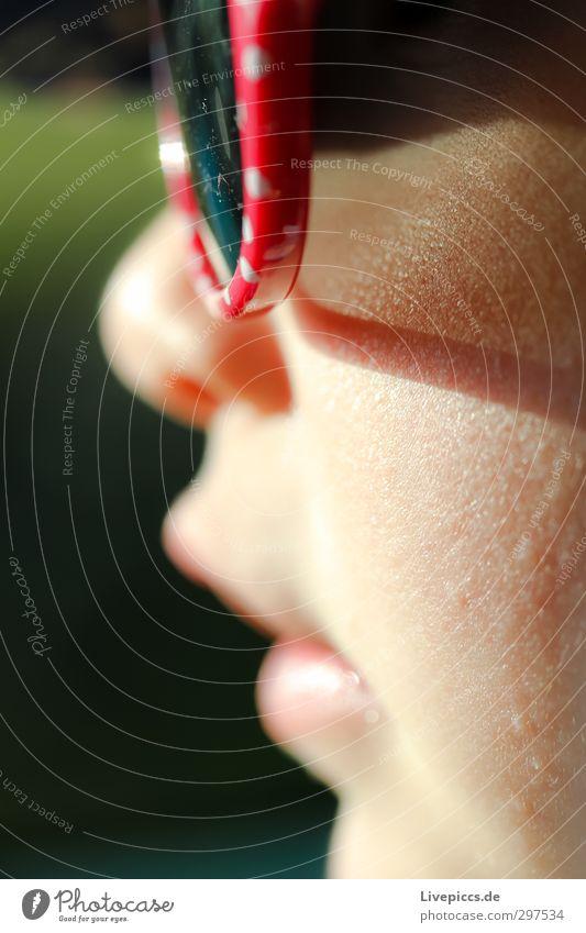 M.E.W. Mensch Kind Mädchen feminin Kopf Kindheit Kleinkind Sonnenbrille 1-3 Jahre