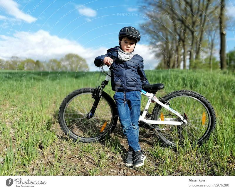 Radtour Freizeit & Hobby Ferien & Urlaub & Reisen Tourismus Ausflug Abenteuer Freiheit Fahrradfahren Kleinkind Junge Kindheit Leben 1 Mensch 3-8 Jahre Blick