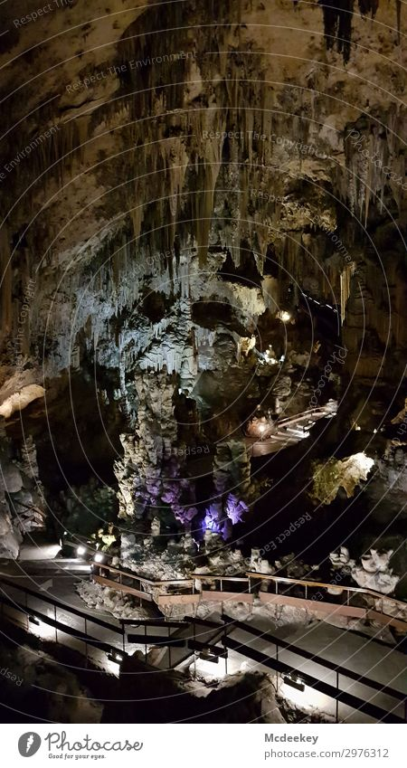 Cueva de Nerja - Skull Natur Sommer Stadt weiß Landschaft schwarz Gesicht gelb Umwelt natürlich orange Kopf braun grau Felsen Treppe