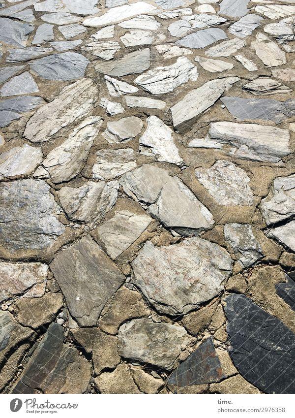 steinig ist der Weg, der vor uns liegt ... Wege & Pfade Bodenplatten Stein liegen elegant viele Zusammensein Leben standhaft ästhetisch Partnerschaft Design