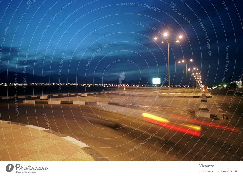 Nachtfahrt Geschwindigkeit Straßenbeleuchtung Ägypten Langzeitbelichtung Verkehr Kurve Landschaft