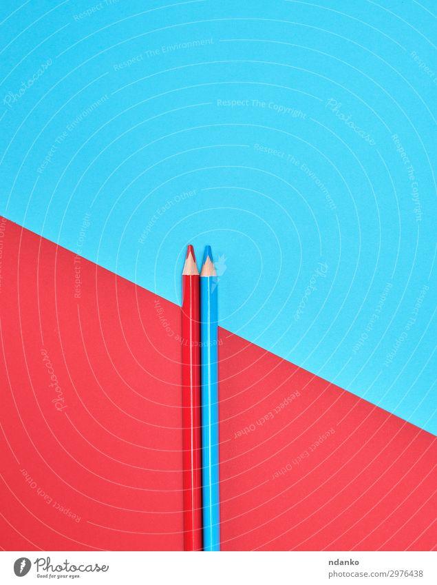 rote und blaue Holzstifte Design Schule Büro Werkzeug Kunst Papier Schreibstift Linie zeichnen einfach lang modern Sauberkeit Farbe Idee Kreativität lernen