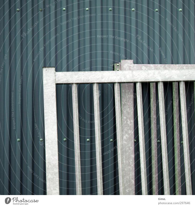 Rømø | Verschnaufpause grün Stadt Erholung kalt Wand Mauer grau Metall Business Zufriedenheit stehen einfach Pause trocken fest Bauwerk