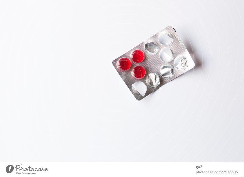 Rote Tabletten Gesundheit Gesundheitswesen Behandlung Krankenpflege Krankheit Medikament Verpackung Kunststoff rot Farbfoto Innenaufnahme Studioaufnahme