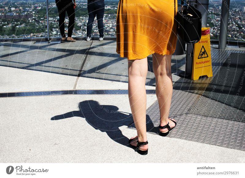 ACHTUNG | für CL Lifestyle Ferien & Urlaub & Reisen Tourismus Ferne Sightseeing Städtereise feminin Frau Erwachsene Leben Gesäß Beine 1 Mensch 18-30 Jahre