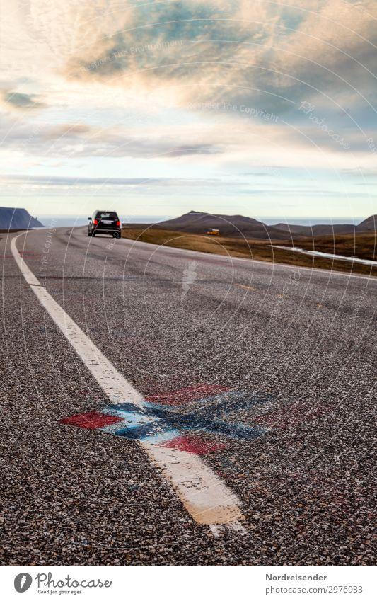 Straße zum Nordkap Himmel Ferien & Urlaub & Reisen Landschaft Wolken Einsamkeit Ferne Berge u. Gebirge Graffiti Tourismus Freiheit PKW Verkehr Abenteuer