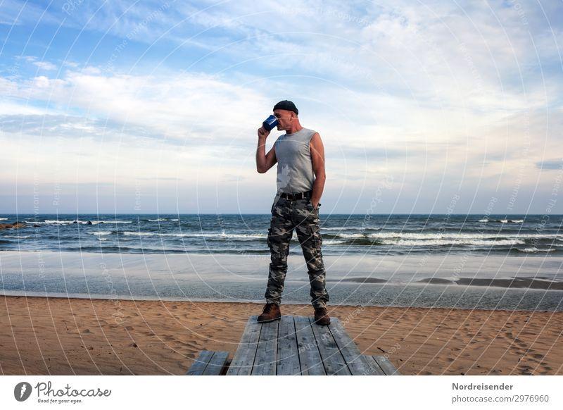 Kaffee am Strand Tasse Ferien & Urlaub & Reisen Abenteuer Ferne Freiheit Sommer Meer Wellen Mensch maskulin Mann Erwachsene Natur Urelemente Wasser Himmel