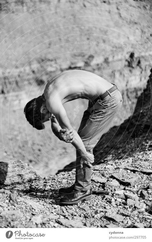 Formgebung Mensch Natur Jugendliche schön Sommer Erwachsene Umwelt Junger Mann Berge u. Gebirge Wärme Leben Erotik 18-30 Jahre Stil Gesundheit Felsen
