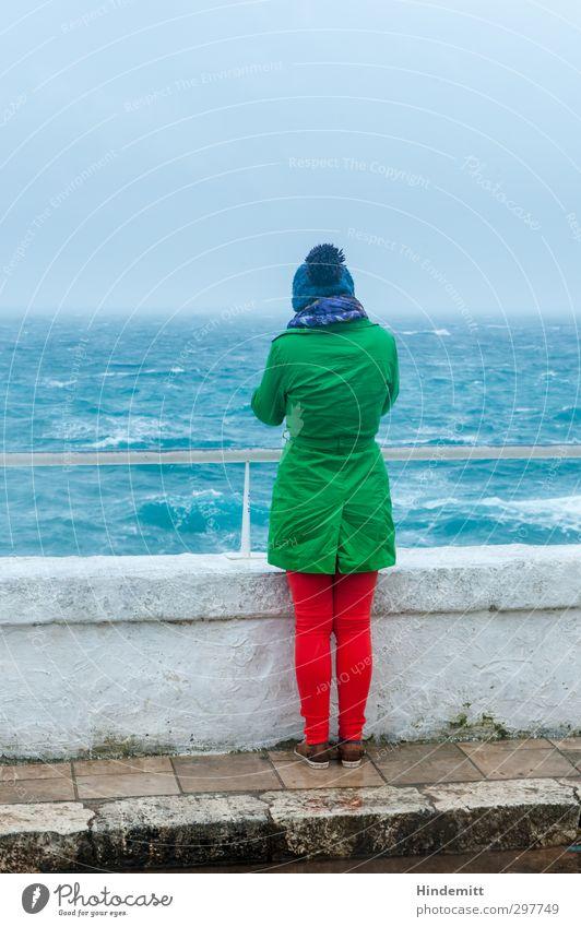 Weite III Tourismus Ausflug Ferne Freiheit Meer Mensch feminin Junge Frau Jugendliche 1 13-18 Jahre Kind 18-30 Jahre Erwachsene Wasser Himmel Wolken Unwetter
