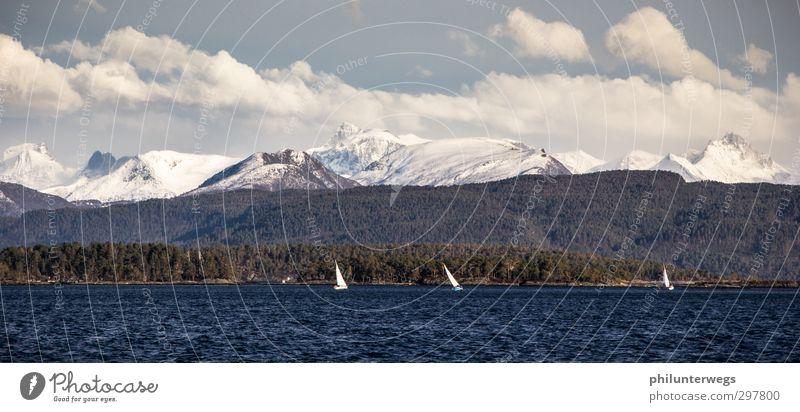 In den Mai segeln Natur Ferien & Urlaub & Reisen Sonne Meer Freude Landschaft Wolken Ferne Berge u. Gebirge Frühling Küste Wellen Schönes Wetter Europa