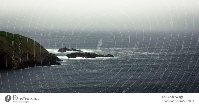 Foggy coast Natur Wasser Meer Einsamkeit Umwelt Ferne dunkel kalt Herbst Küste Felsen Regen Wetter Wellen Wind wild