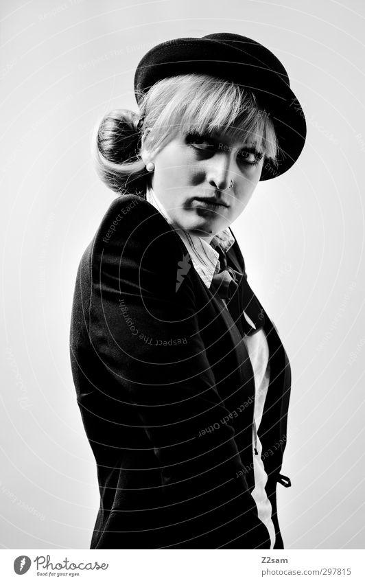 Mietze Jugendliche schön Junge Frau Erwachsene feminin 18-30 Jahre Stil Mode blond elegant ästhetisch Coolness retro einzigartig Hut Jacke