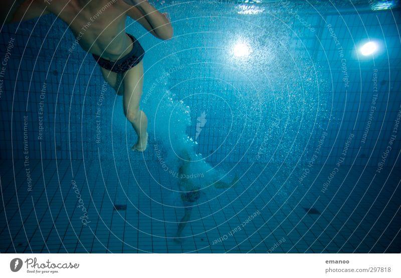 auf den Grund gegangen Freude Leben Schwimmen & Baden Freizeit & Hobby Sport Fitness Sport-Training Wassersport Sportler tauchen Schwimmbad Mensch maskulin
