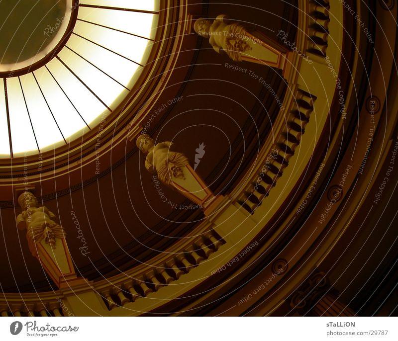la coupole de lumière Fenster Architektur Paris Statue Museum