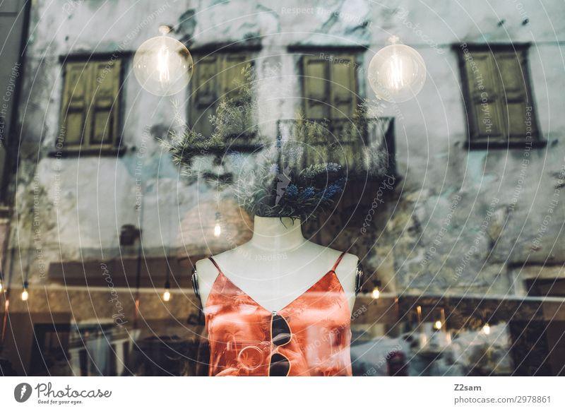 Schaufensterpuppe abstrakt Torso Stadt Ladengeschäft Boutique Kleid stehen Coolness elegant trendy modern rot Design Farbe Inspiration schön Surrealismus