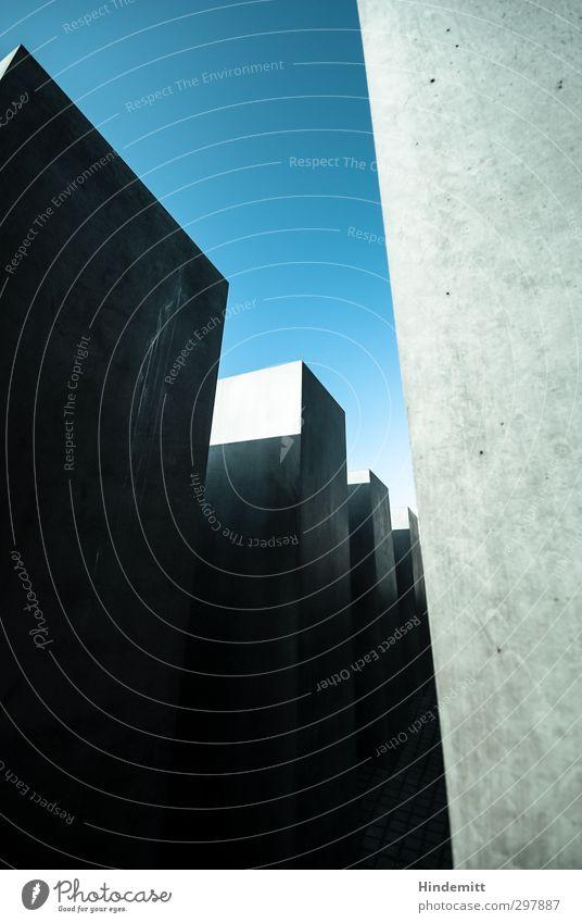 #297887 Himmel Wolkenloser Himmel Bauwerk Architektur Mauer Wand Stein Beton ästhetisch außergewöhnlich bedrohlich eckig fest hoch kalt modern trist blau grau