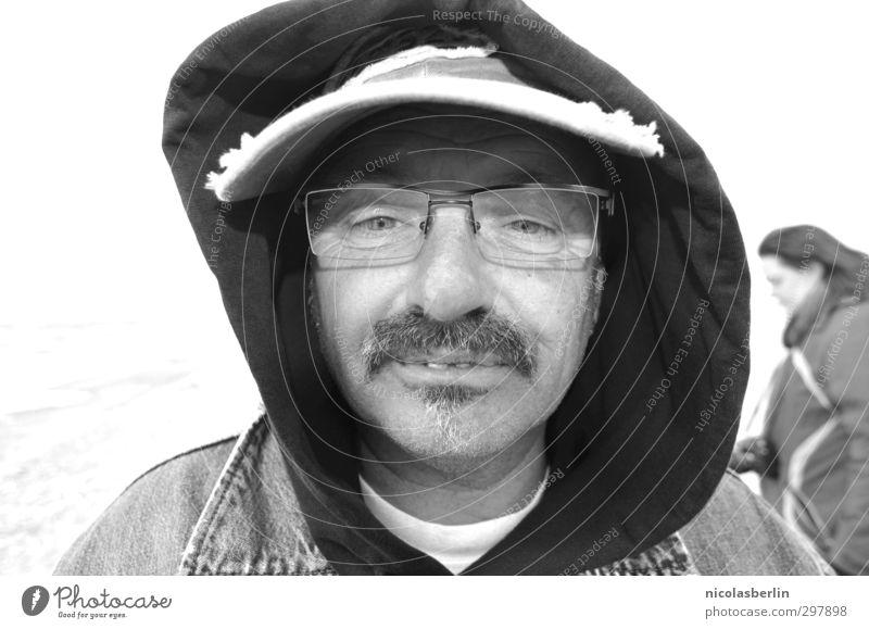 MP63 - Einmal lächeln bitte, danke! maskulin Mann Erwachsene 1 Mensch Hut Mütze Oberlippenbart Lächeln außergewöhnlich lustig verrückt Freude Begeisterung